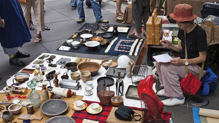 Flea Market at Oi